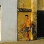 "Guy Walking <a style=""margin-left:10px; font-size:0.8em;"" href=""http://www.flickr.com/photos/36521966868@N01/31582953/"" target=""_blank"">@flickr</a>"