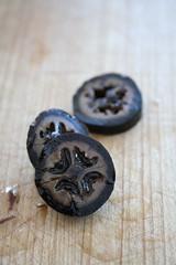 Preserved walnuts