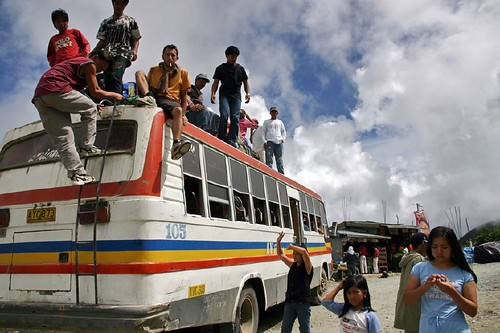commuting by bus rural area rooftop Philippines Buhay Pinoy  Ngayon Filipino Pilipino  people pictures photos life Philippinen