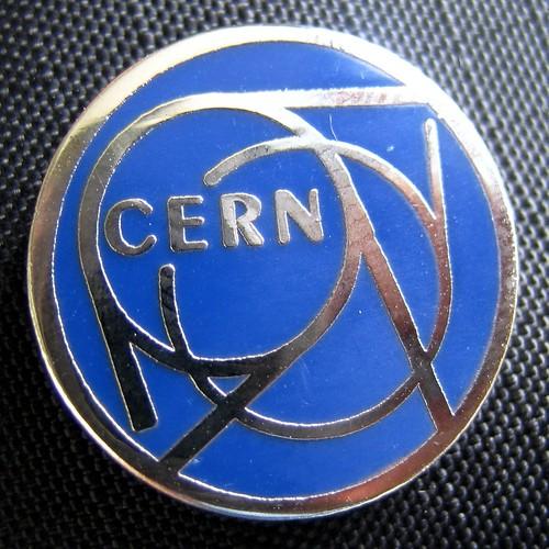 Emblema del CERN, Centro Europeo para la Investigación Nuclear