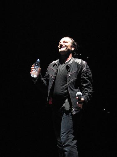 10/19/05 DC- Bono smiling