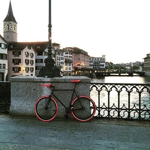 Jungfernfahrt mit #Rosenrot durch #Zürich