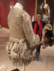 1665 silver tissue doublet and trunk hose 02