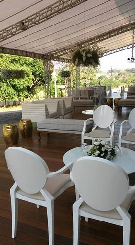 Um luxo, este deck para convidados