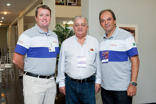 Frederico Ayres Lima, presidente da Aperam South America, Olavo Machado e Luciano Araújo
