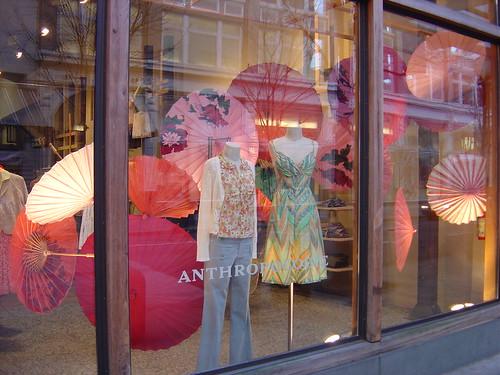 Pink parasoles by Elena777.
