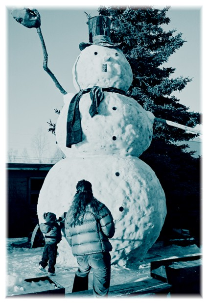 The giant snowman of Columbine Street, version one.