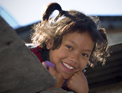 Smiling girl from Tatopani