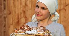 """Der Pfannkuchen. Die Pfannkuchen. Es gibt ganz unterschiedliche Pfannkuchen. Sie können süß oder salzig sein. • <a style=""""font-size:0.8em;"""" href=""""http://www.flickr.com/photos/42554185@N00/32253627141/"""" target=""""_blank"""">View on Flickr</a>"""
