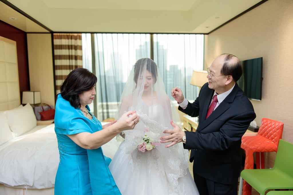 Wedding day-0050 ,僑園婚攝,台中僑園,僑園婚宴,新秘Alice ,婚攝小勇,台北婚攝, 小淑造型團隊