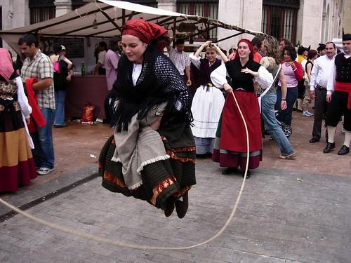 Saltandando a la comba ( A la manera tradicional)