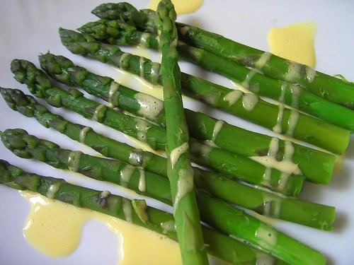 Asparagus & Hollandaise sauce