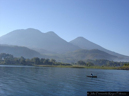Volcanes Atitlán y Tolimán