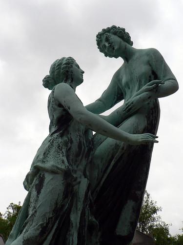 Dancing with death at Cimetière Saint-Vincent