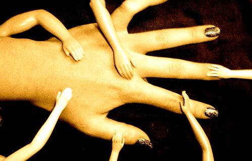Hands Down by kKaAtTrRiInNaA