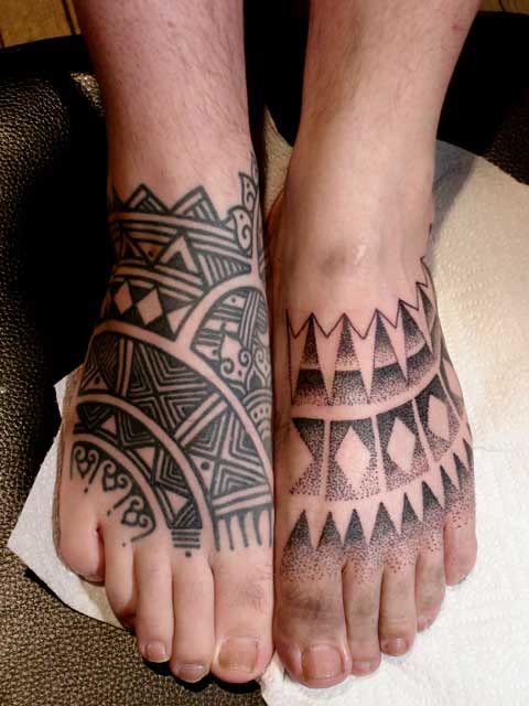Kevin's feet tattooed at NYC Tattoo Convention