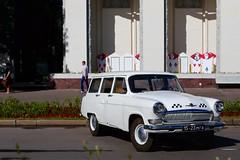 "Ретро автомобили на съемках фильма на ВВЦ • <a style=""font-size:0.8em;"" href=""http://www.flickr.com/photos/87533207@N05/18739949271/"" target=""_blank"">View on Flickr</a>"