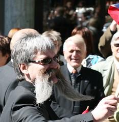 A velha e boa confiança no fio do bigode
