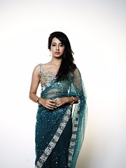 South Actress SANJJANAA Unedited Hot Exclusive Sexy Photos Set-18 (20)