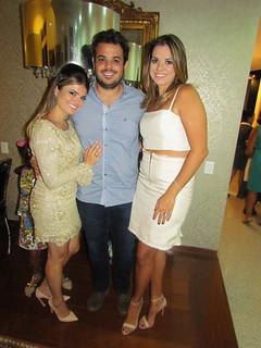 Os irmãos Ana Lúcia, Gabriel e Maria Paula