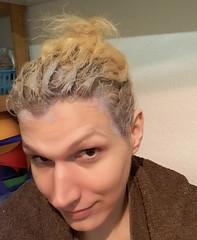 Ansätze blondieren