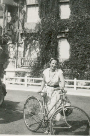 Gitta, my mother and her bike in 1949