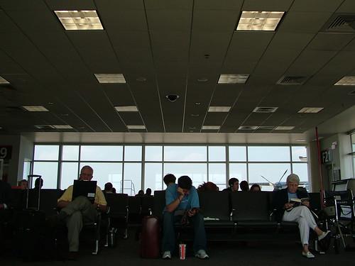 Normalerweise ein Ort der Langeweile: die Flughafen-Lobby (Bild: DJOtaku_flickr)