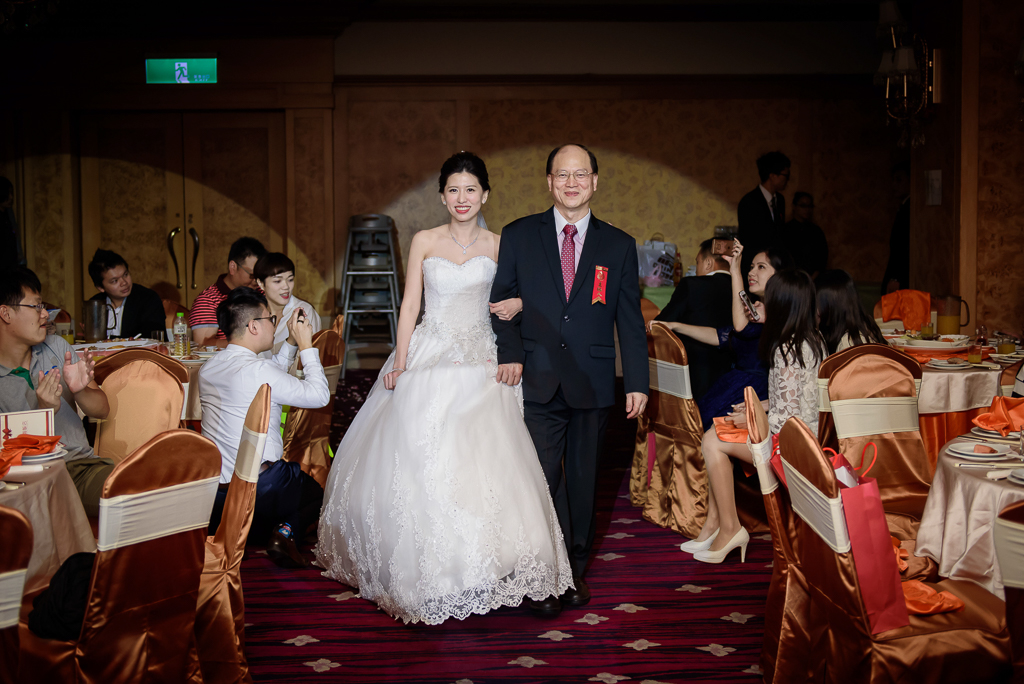 Wedding day-0061 ,僑園婚攝,台中僑園,僑園婚宴,新秘Alice ,婚攝小勇,台北婚攝, 小淑造型團隊