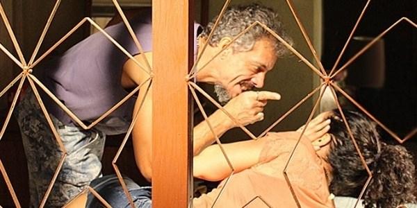 """Em """"A Regra do Jogo"""", Domingas é agredida pelo marido e se humilha"""