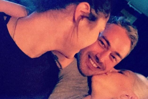 Lady Gaga teria feito ménage a trois com seu noivo, segundo site