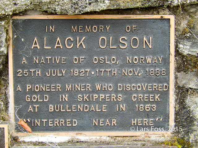 Memory plaque of Alack Olson
