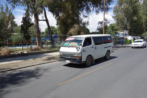 Le truffi est une sorte de mini-bus, qui fonctionne de la même manière que le microbus ... vous suivez :)