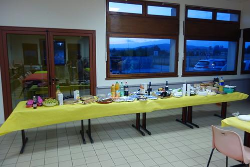 Quelle surprise à l'arrivée : un festin ardéchois préparé par les parents d'élèves