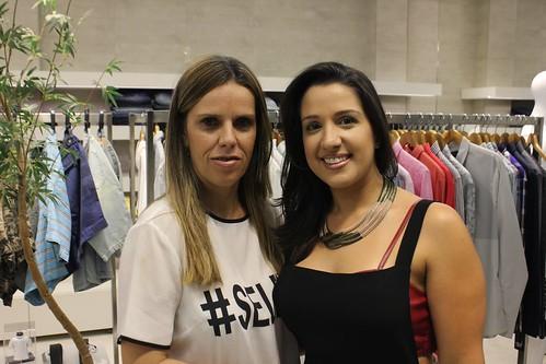 A gerente Adriana e Camila Braz