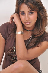 South Actress SANJJANAA Unedited Hot Exclusive Sexy Photos Set-16 (17)