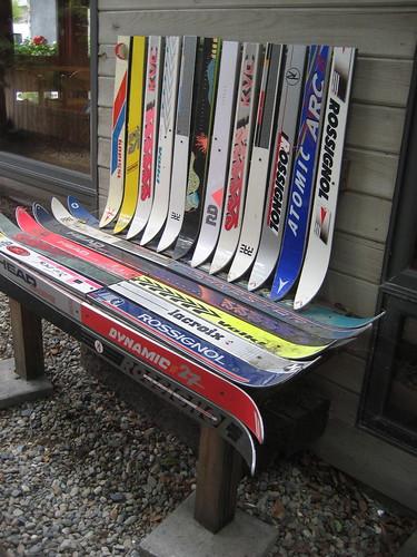 Ski bench