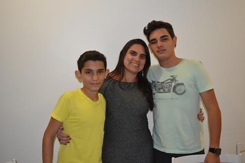Gisele com os filhos João Victor e Marco Túlio