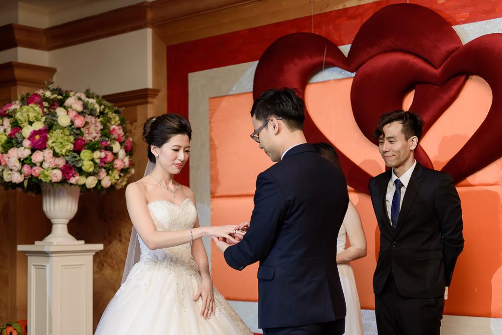 Wedding day-0071 ,僑園婚攝,台中僑園,僑園婚宴,新秘Alice ,婚攝小勇,台北婚攝, 小淑造型團隊