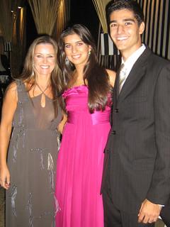 Merrel Cysne e a filha, Laís, com o namorado, Douglas