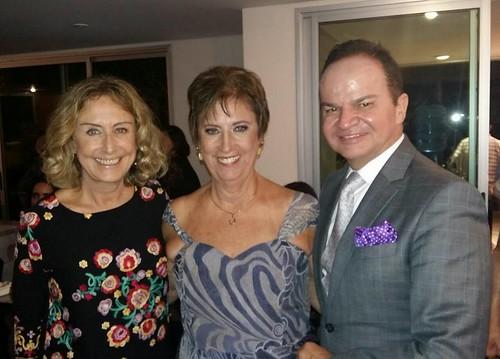 Comemorando com a prima Sheila e seu grande amigo, meu colega jornalista Luismar Rocha, prestigiado colunista do jornal Folha de Notícias, de Itumbiara, GO
