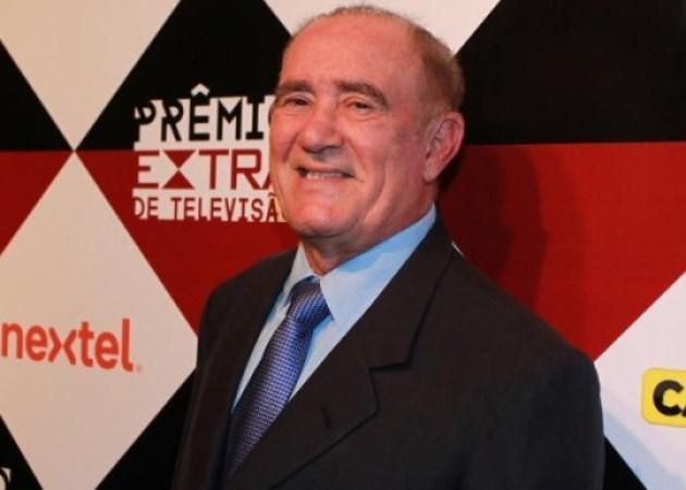 Renato Aragão promete voltar à TV em 2016:'Vou fazer uma série'