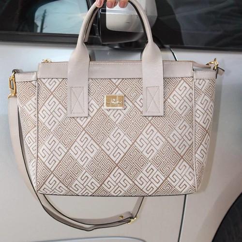 Na vibe das bolsas de precinho precinho a Smart Bag Bolsas fez estampa exclusiva com a qualidade de sempre