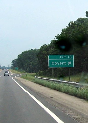 Covert road sign - image from Nobody Knows I'm Elvis via Flick'r