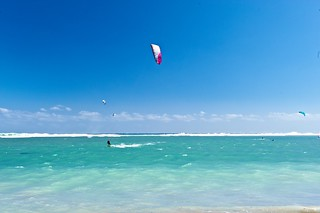 KITE SURF, ST PIERRE pic STUDIO LUMIERE