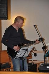 "19. gitarist electr. • <a style=""font-size:0.8em;"" href=""http://www.flickr.com/photos/141226496@N02/40681717604/"" target=""_blank"">View on Flickr</a>"
