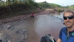Fluss überqueren