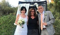 """🎩💐I amb aquest casament ja en són 15. 15 cerimònies que han fet la @cricospa68 i l'@isalvatierra en aquests 3 anys com a regidors. Els moments més bonics com a electes. """"Mai no aconseguirem definir amb paraules allò que només es pot escriur"""