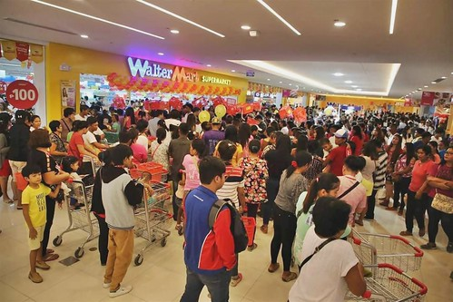 a few people came to the mall opening by Hot Model Tranzgender Philippines, on Flickr