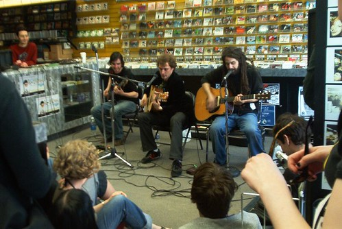 Moneen live! in-store performance at Music Trader on April 27 2006