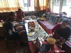Buttertee bei einer tibetischen Familie